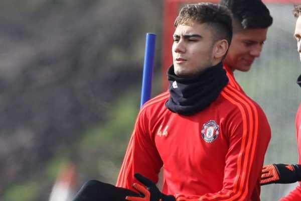 Everton had contacted Manchester United over Pereira on loan. Everton have been linked with Manchester United over a loan deal for Brazilian midfielder Andreas Pereira.