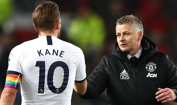 Gary advice Manchester united to buy Kane for another five-year championship. Gary Neville analysts Sky Sports cheering for Manchester United for striker Harry Kane from Tottenham Hotspur